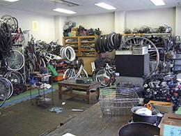 自転車工房風景